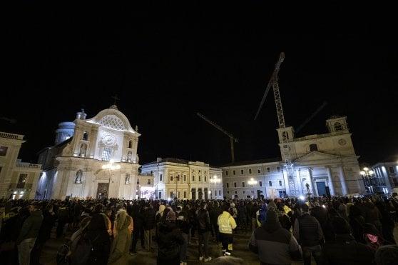 L'Aquila in piazza, 10 anni dopo il sisma il dolore non è stato cancellato