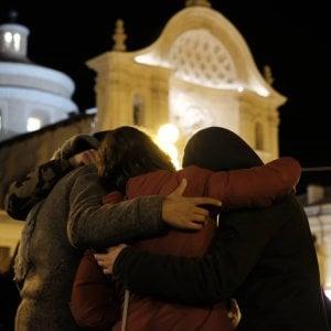 """Terremoto dell'Aquila, l'incoraggiamento del Papa sulla """"faticosa ricostruzione"""", Mattarella: """"I giovani hanno diritto alla rinascita"""""""