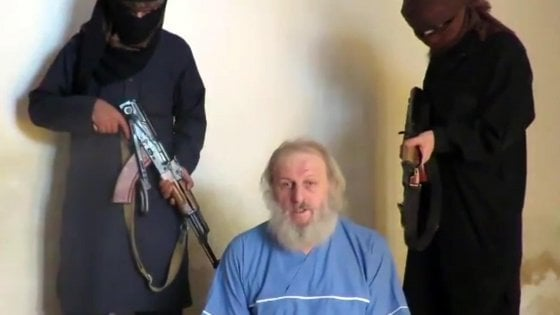 """Rapito in Siria, Zanotti ai pm: """"Lì per fare affari con i dinari antichi, venduto ad Al Qaeda dal tassista abusivo"""""""