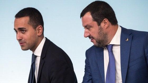 """Di Maio e Salvini in contemporanea in tv: """"I campi rom vanno chiusi"""""""