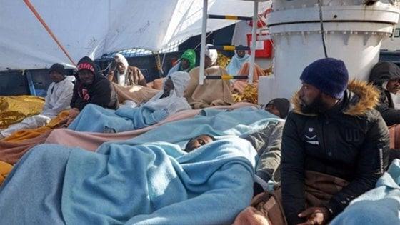 Migranti, la Alan Kurdi di nuovo  in stand by in attesa del permesso di entrare in aque maltesi