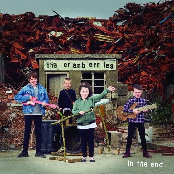 """Cranberries, la vita dopo Dolores O'Riordan: """"Questo disco è il miglior modo per onorarla"""""""
