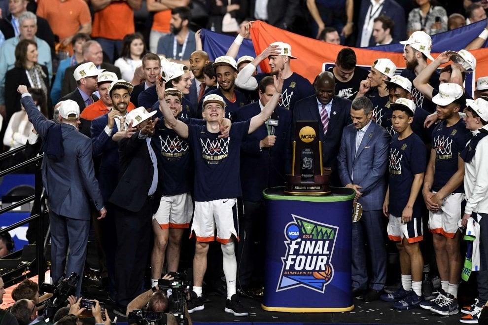 Basket Ncaa, trionfa Virginia: Texas Tech battuta in finale all'overtime