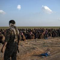 Siria, doppio attentato a Raqqa: 15 morti