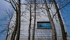 Nasce il museo del centenario del Bauhaus. Primi ospiti lo stroncano