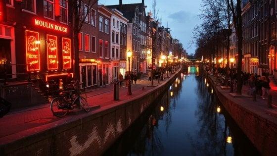 Paesi Bassi, in Parlamento arriva una petizione per rendere illegale la prostituzione