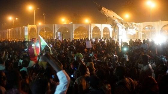 Sudan nel caos, manifestazione contro presidente Omar al Bashir