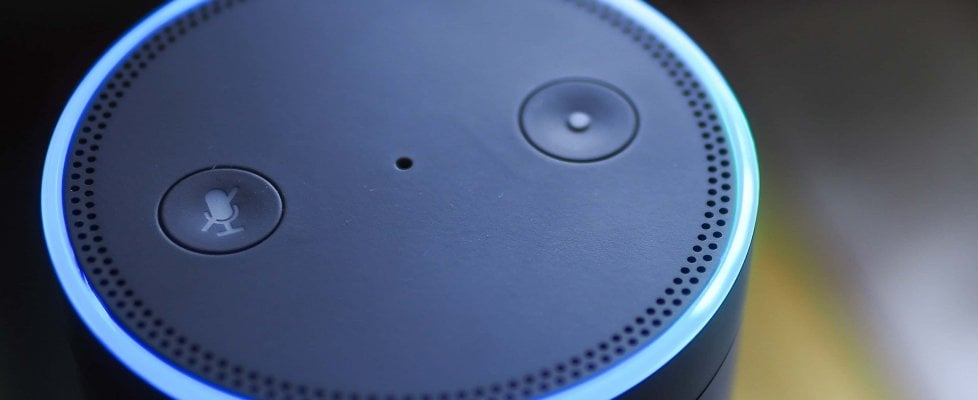 """Alexa ci ascolta: e le """"orecchie"""" dei gadget Amazon sono anche umane"""