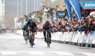 Ciclismo, Giro Paesi Baschi: Schachmann vince quarta tappa e allunga
