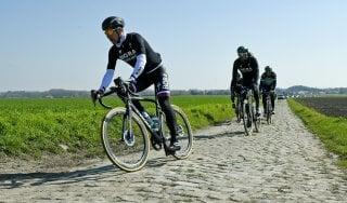 Ciclismo, c'è il solito Sagan: ma è una Parigi-Roubaix senza padroni