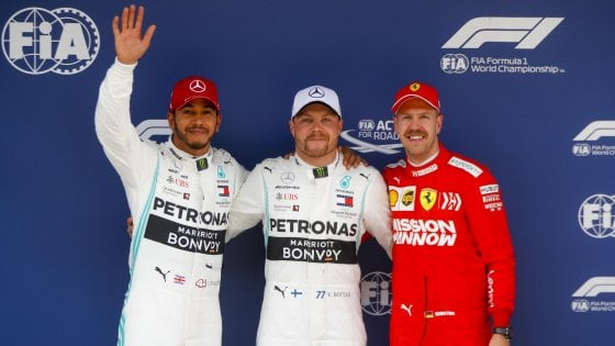 Formula Uno, nel GP di Cina ancora doppietta Mercedes