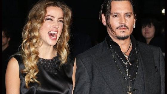 """Continua la battaglia legale tra Johnny Depp e l'ex moglie Amber Heard: """"Sotto effetto di droghe e alcol diventava il Mostro"""""""