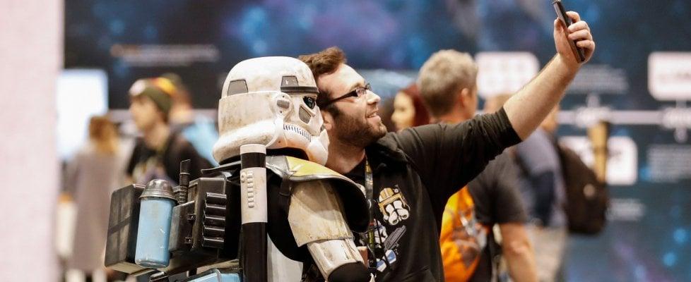 """'Star Wars Celebration', la gaffe dell'account Twitter ufficiale: """"E voi da che parte state?"""""""