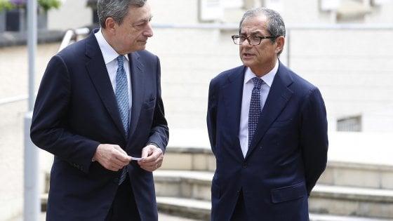 Il presidente della Bce Draghi e il ministro dell'Economia Tria