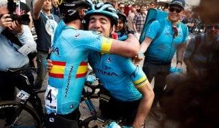 Ciclismo, Giro Paesi Baschi a Ion Izagirre. Adam Yates vince ultima tappa