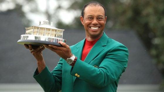 """Golf, le star celebrano il ritorno di Woods: """"Grande come nessun altro"""""""