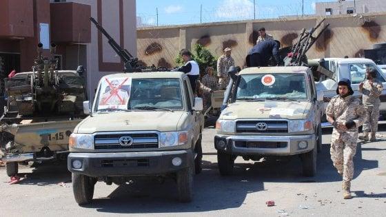 Libia, militari e agenti segreti francesi bloccati alla frontiera con la Tunisia