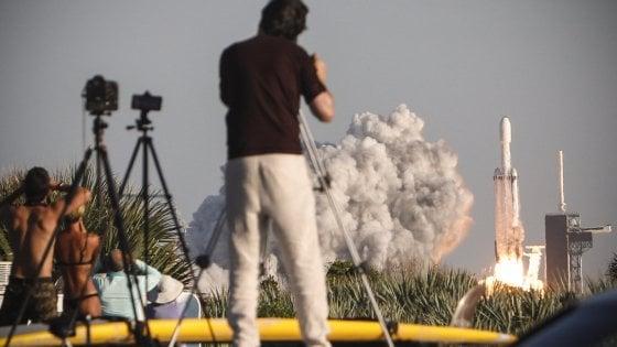 La Nasa si affida a Elon Musk per proteggere la Terra dagli asteroidi: commessa da 69 milioni di dollari