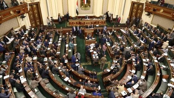 L'Egitto cambia costituzione per consentire ad Al Sisi di restare presidente fino al 2030