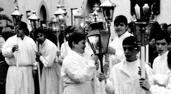 I riti di Pasqua, teatro della Passione. E spopolano anche le dirette sul web