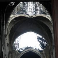 Incendio Notre-Dame, le immagini all'interno della cattedrale