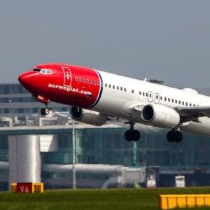 Volo Boston-Roma, atterraggio d'emergenza a Parigi per problemi alla cabina