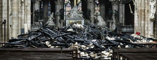 """Notre-Dame, la procura: """"Escluso atto doloso"""".Forse il fuoco partito da una saldatura"""