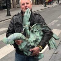 Incendio Notre-Dame: un restauratore salva il gallo della guglia