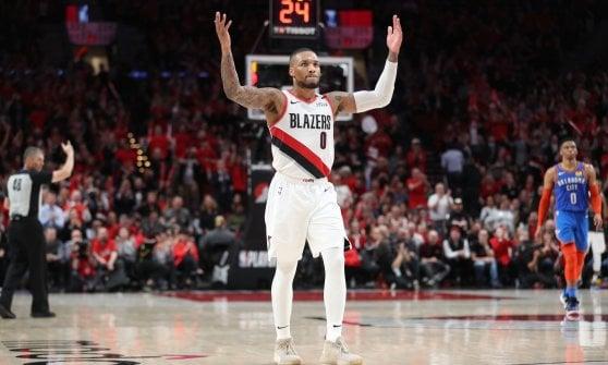 Basket, playoff Nba: Denver rimonta San Antonio, Portland vola sul 2-0