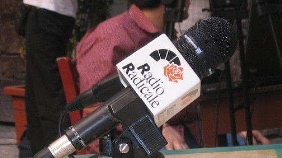 """""""Salviamo Radio Radicale"""", l'appello di Repubblica. Ma Bonafede difende la linea di Crimi"""
