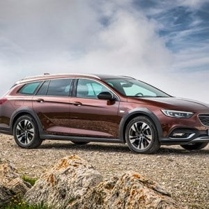 Opel Insignia Country Tourer, fascino off-road