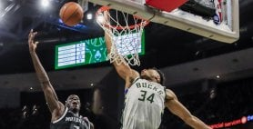 Antetokounmpo stende Detroit, anche Houston e Boston sul 2-0