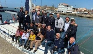Fiumicino, varo dell'imbarcazione confiscata all'immigrazione clandestina