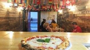 """La pizzeria """"alla fine del mondo"""": un napoletano coraggioso al confine con l'Antartide"""