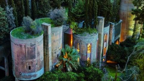 Il fascino dell'abbandono: cosìl'architettura muore e risorge