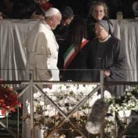 """Il Papa: """"Porte chiuse a migranti per cuori blindati da calcoli politici"""""""