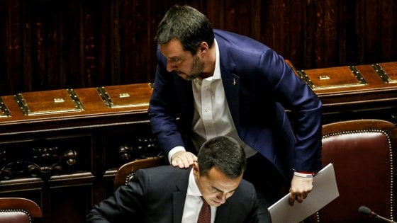 Il Pd presenta mozione di sfiducia al governo dopo le tensioni tra Lega e M5s e il caso Siri-Arata
