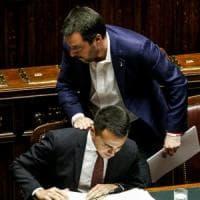 Il Pd presenta mozione di sfiducia al governo dopo le tensioni tra Lega e M5s e il caso...