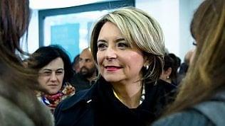 Vibo Valentia, candidata centrodestra fa saluto romano a incontro col pronipote di Mussolini: