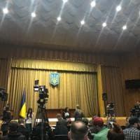 Ucraina, vigilia del voto con suspense: respinta la richiesta di esclusione di Zelenskij...