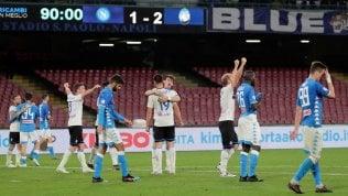 Il Napoli spreca, l'Atalanta fa un colpo Champions: finisce 1-2