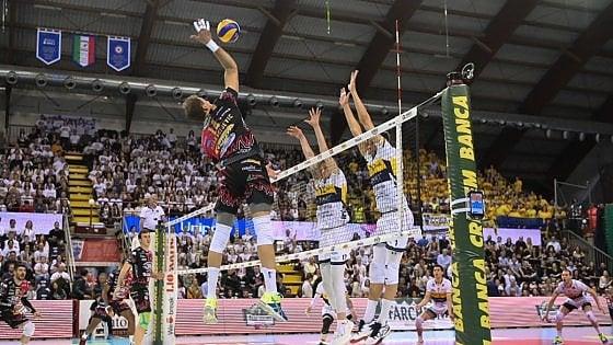 Volley, Superlega; semifinali play off: Perugia stacca Modena, Trento accorcia su Civitanova
