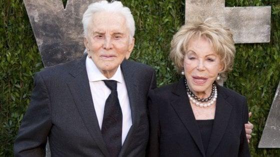 Kirk Douglas e Anne Buydens, la coppia più longeva di Hollywood