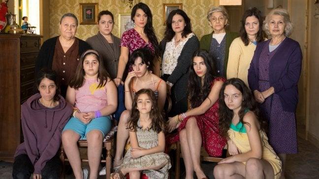"""Tutte donne per Emma Dante: """"Una famiglia vera, con le metamorfosi del corpo"""""""