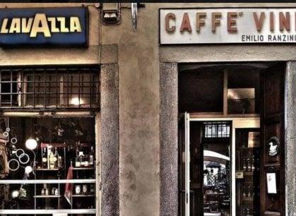Uova sode, vini sfusi e vitello tonnato: nella piola che fa sopravvivere la vecchia Torino