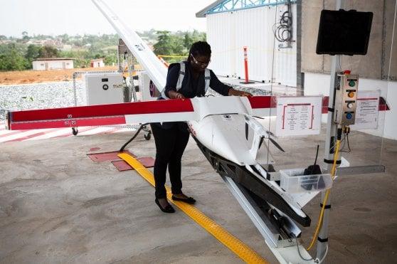 Ghana, i farmaci arrivano con il drone