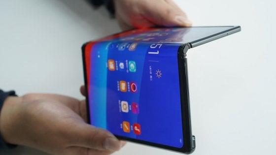 """""""Lo smartphone pieghevole di Huawei in arrivo a giugno"""""""