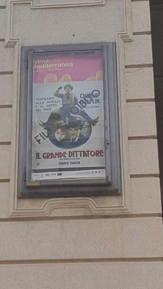 Reggio Calabria, l'iniziativa del Comune: città tappezzata di manifesti con le leggi razziali