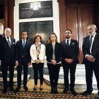 """Il 25 aprile dei 5S: omaggi alla Liberazione e attacchi a Salvini. Di Maio: """"Inutile..."""