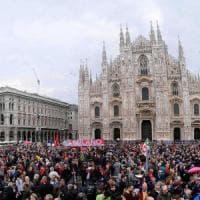 """25 Aprile, le piazze piene dell'Italia che festeggia la Liberazione. Mattarella: """"Fu una..."""